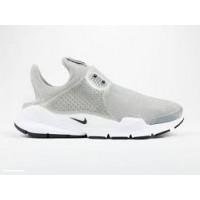 Deportes_Apalategui_Nike_Sock_Dart_819686-002_1